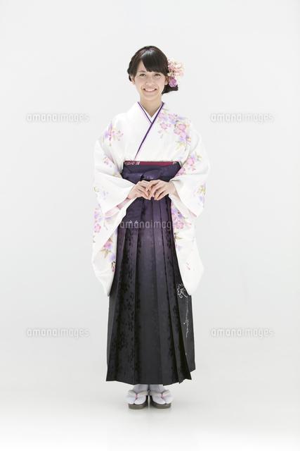 袴姿の女子大生07800048767の写真素材イラスト素材アマナイメージズ
