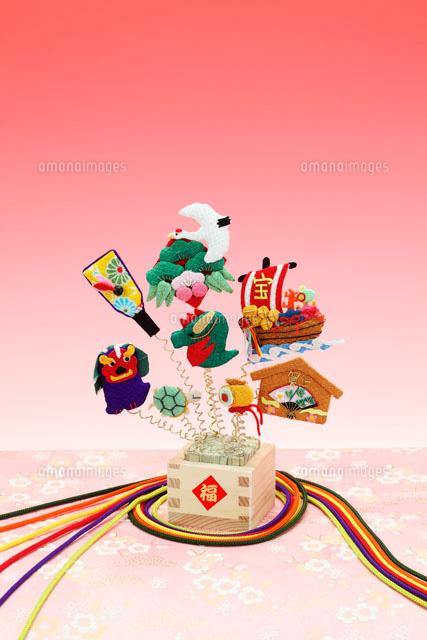 ちりめんの正月飾り辰年09522000475の写真素材イラスト素材