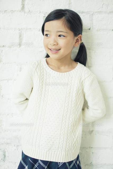 笑顔の可愛い女の子10161018945の写真素材イラスト素材アマナ
