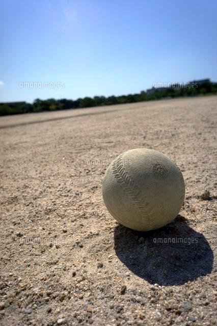 グランドのソフトボール10194001234の写真素材イラスト素材アマナ
