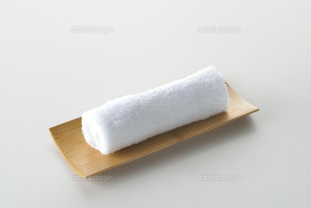 白い背景のお手拭き10214002067の写真素材イラスト素材アマナ