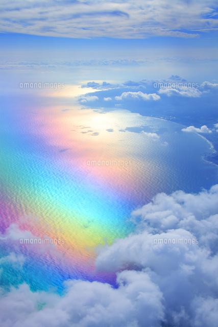 虹色に輝く太平洋と千倉方向の海...