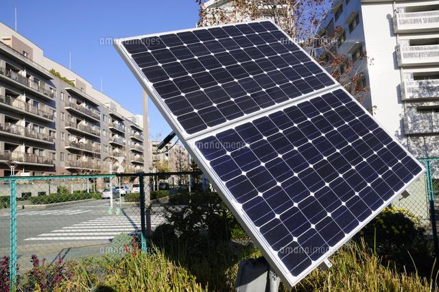 幕張ベイタウンの太陽光パネル10252009924の写真素材イラスト素材