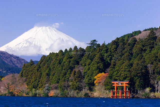 富士山と芦ノ湖 箱根神社鳥居10284000378の写真素材イラスト素材