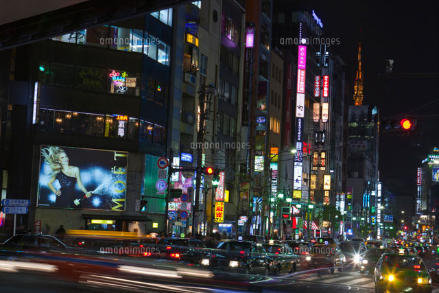 六本木交差点のネオン街と車夜景10309000321の写真素材イラスト素材