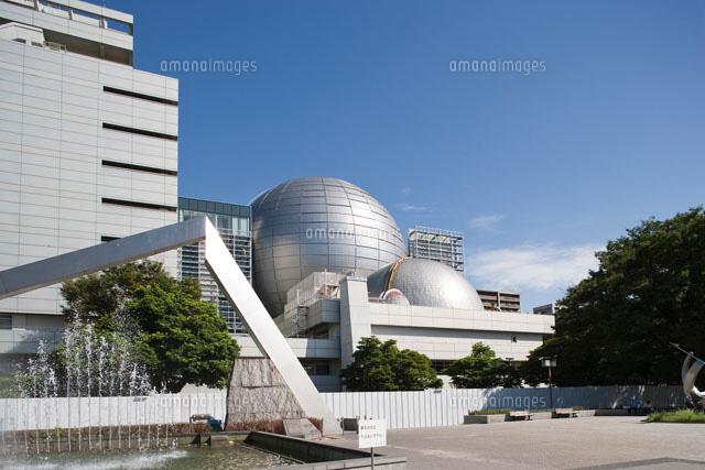 名古屋市科学館の新旧二つのプラネタリウム ドーム
