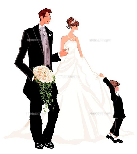 結婚式のウエディングドレスの女性とタキシードの男性と子供(c)