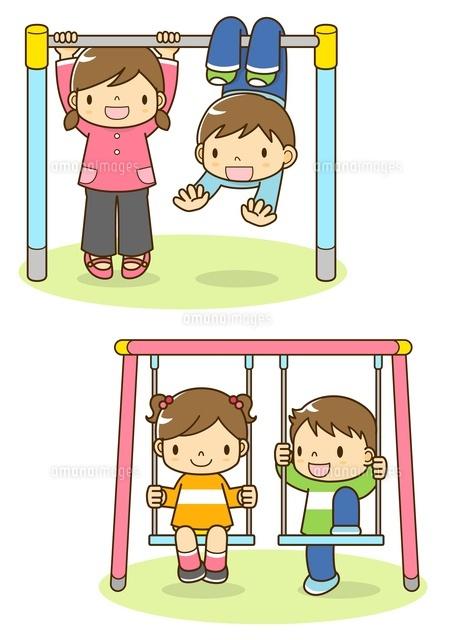 鉄棒とブランコをする子供たち10468000196の写真素材イラスト素材