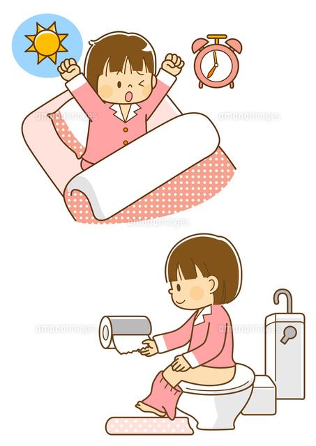 朝起きる女の子トイレに行く女の子10468000310の写真素材イラスト