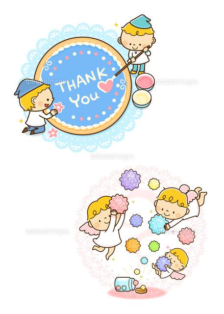 アイシングクッキーを作る小人金平糖を持つ天使10468000346の写真