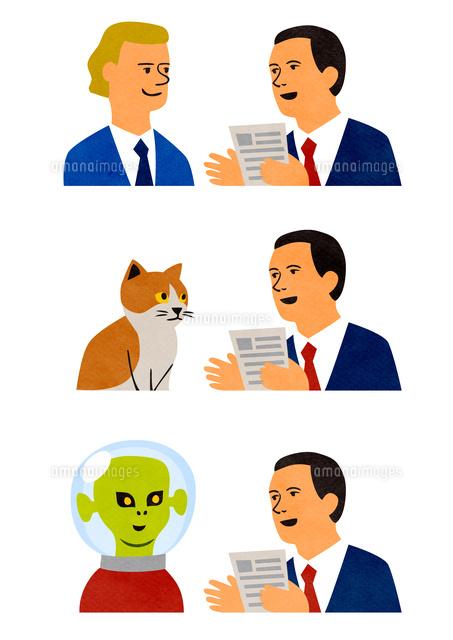 外国人猫宇宙人と話すビジネスマン10471000251の写真素材
