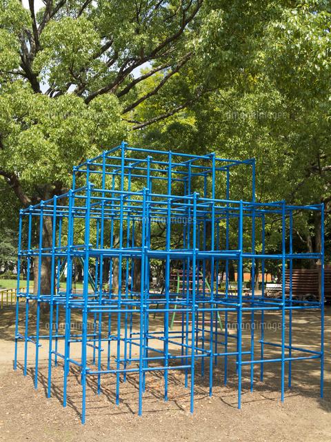 公園のジャングルジム10511002749の写真素材イラスト素材