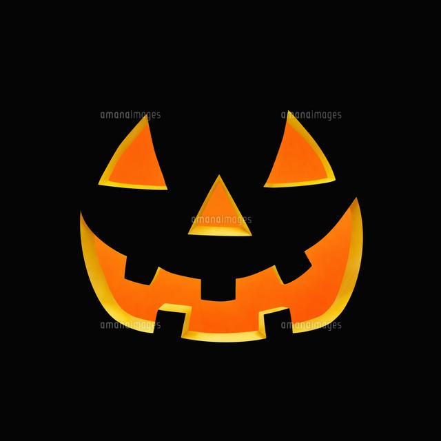 ハロウィンのかぼちゃのおばけの顔10610003097の写真素材イラスト