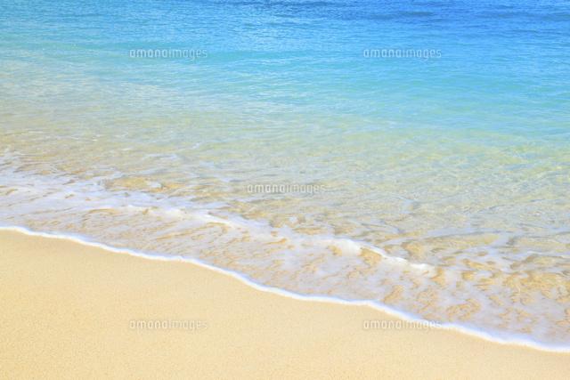 エメラルドビーチ 波打ち際10769000589の写真素材イラスト素材