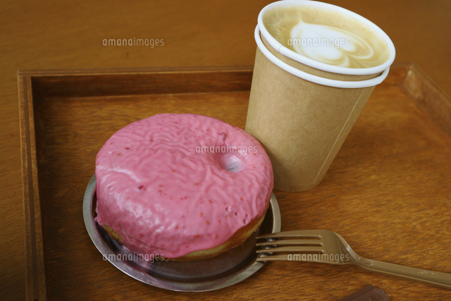 韓国 ソウルのカフェのかわいいドーナツとラテアート 梨泰院