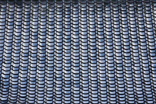 瓦屋根11002051901の写真素材イラスト素材アマナイメージズ