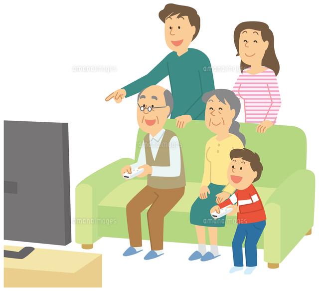 テレビゲームをする三世代家族11002062642の写真素材イラスト素材