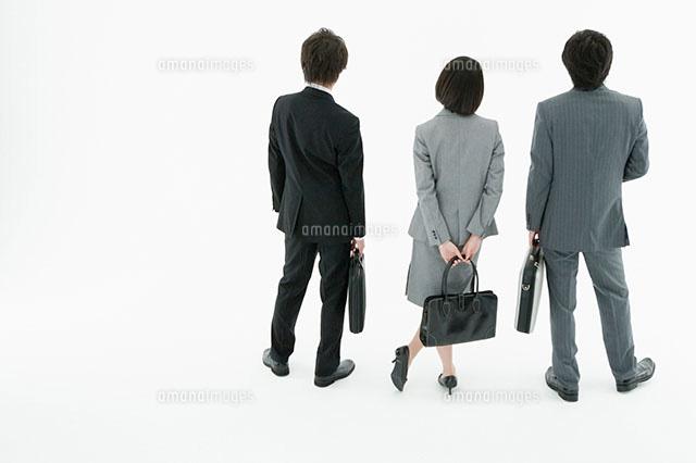 スーツ姿の男女の後ろ姿11004073883の写真素材イラスト素材アマナ