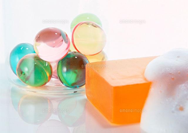 石鹸と入浴剤11007014570の写真素材イラスト素材アマナイメージズ
