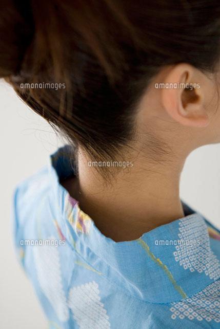 浴衣女性のうなじ11031000352の写真素材イラスト素材アマナイメージズ