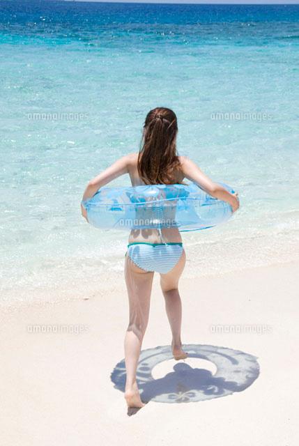 「水着女性 素材」の画像検索結果