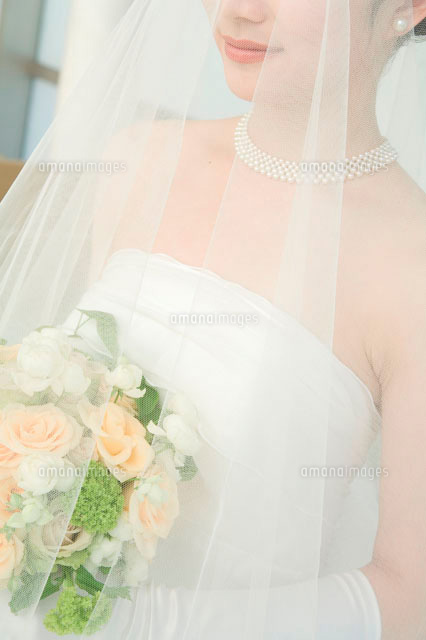 ベールを被った新婦11032005271の写真素材イラスト素材アマナ
