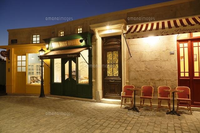 おしゃれなヨーロッパイメージの街並み11038024543の写真素材
