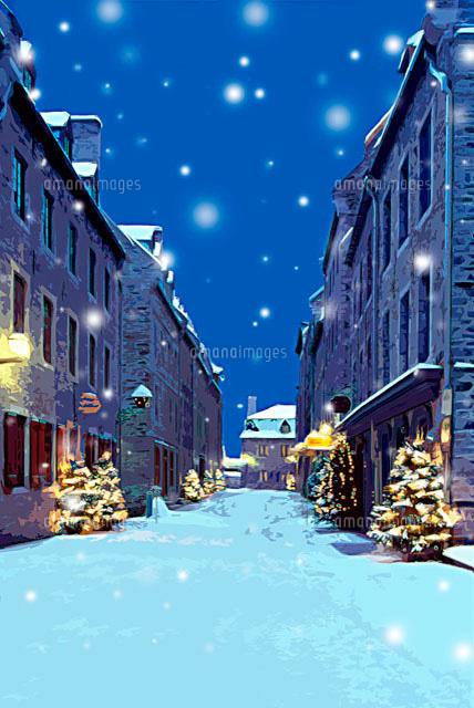 クリスマスツリーのある雪のケベックの街並み Cg11065000096の写真素材
