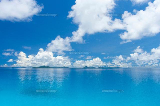 海と入道雲11069000470の写真素材イラスト素材アマナイメージズ