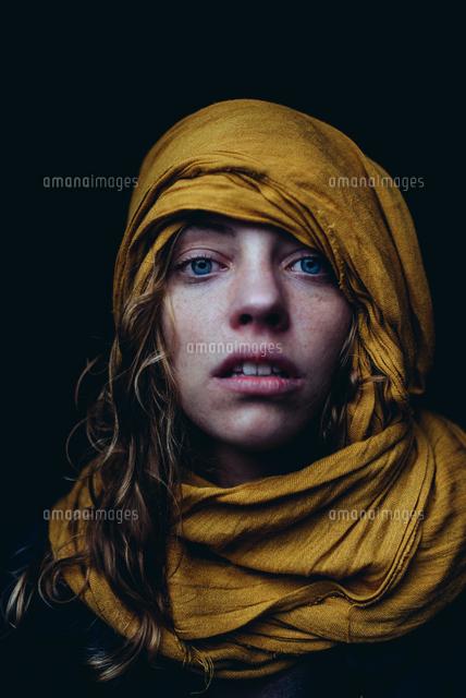 作品番号:11115008614  作品タイトル:Portrait Of Young Woman