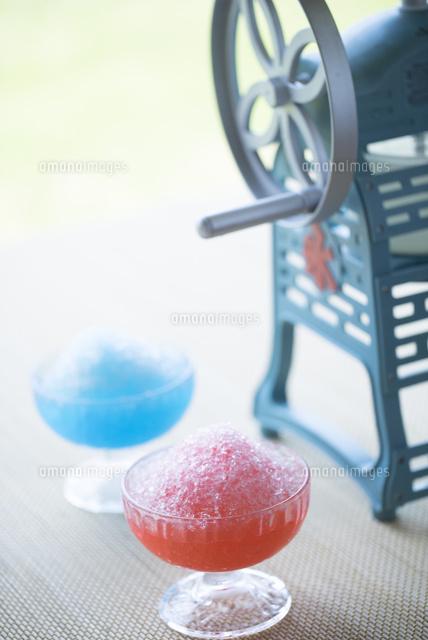 かき氷とかき氷機28056004289の写真素材イラスト素材アマナイメージズ