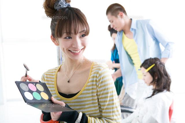 「美容専門学生 素材」の画像検索結果