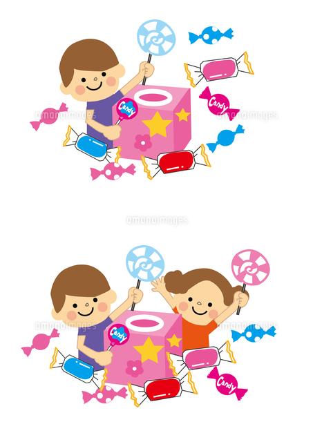 お菓子のつかみ取り お菓子と子どもたち60002000135の写真素材