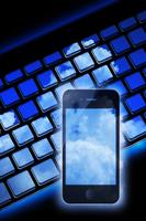 スマートフォンとノートパソコン 10131012103| 写真素材・ストックフォト・画像・イラスト素材|アマナイメージズ