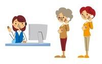 オペレーター、電話している女性、電話しているシニア女性 10423000391| 写真素材・ストックフォト・画像・イラスト素材|アマナイメージズ