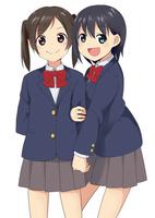 腕を組む二人の女子生徒 10443000057  写真素材・ストックフォト・画像・イラスト素材 アマナイメージズ