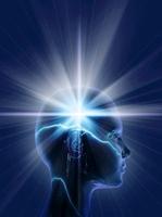人物の頭の中の光 CG                                         10596000297| 写真素材・ストックフォト・画像・イラスト素材|アマナイメージズ