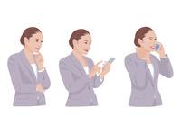 スマートフォンで仕事をする女性 10688000009  写真素材・ストックフォト・画像・イラスト素材 アマナイメージズ