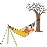 ゆらゆら揺れるハンモックでお昼寝 10928000069| 写真素材・ストックフォト・画像・イラスト素材|アマナイメージズ