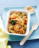 Prawn egg fried rice in fast food container, kids lunch idea 11015271181| 写真素材・ストックフォト・画像・イラスト素材|アマナイメージズ