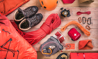 Overhead view of climbing equipment with climbing helmet, first aid kit, climbing boots and climbing ropes 11015295434| 写真素材・ストックフォト・画像・イラスト素材|アマナイメージズ