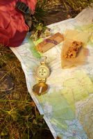 Map, compass and energy bar on grass, close-up, Colgate Lake Wild Forest, Catskill Park, New York State, USA 11015329970| 写真素材・ストックフォト・画像・イラスト素材|アマナイメージズ