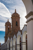 View of church bell tower and clock tower, Potosi, Bolivia 11015330477| 写真素材・ストックフォト・画像・イラスト素材|アマナイメージズ