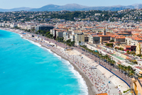 Cityscape view with coastline and beach, Nice, Cote d'Azur, France 11015338124| 写真素材・ストックフォト・画像・イラスト素材|アマナイメージズ