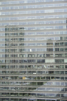 Full frame shot of modern office building with reflection 11016036657| 写真素材・ストックフォト・画像・イラスト素材|アマナイメージズ