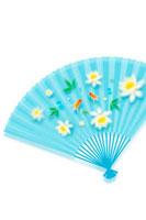 金魚と花の模様の青い扇子 11017000798| 写真素材・ストックフォト・画像・イラスト素材|アマナイメージズ