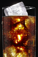 Glass of Soda with Ice Cubes on Black Background 11030041063| 写真素材・ストックフォト・画像・イラスト素材|アマナイメージズ