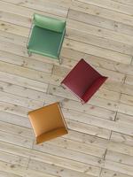 Digital Illustration of Overhead View of Red, Green, and Orange Chairs on Hardwood Floor 11030043851| 写真素材・ストックフォト・画像・イラスト素材|アマナイメージズ
