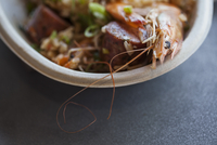 Close-up of shrimp perlou served in bowl on table 11100040248| 写真素材・ストックフォト・画像・イラスト素材|アマナイメージズ