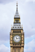 High section of Big Ben against cloudy sky 11100042177| 写真素材・ストックフォト・画像・イラスト素材|アマナイメージズ